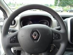 Renault-Trafic-7