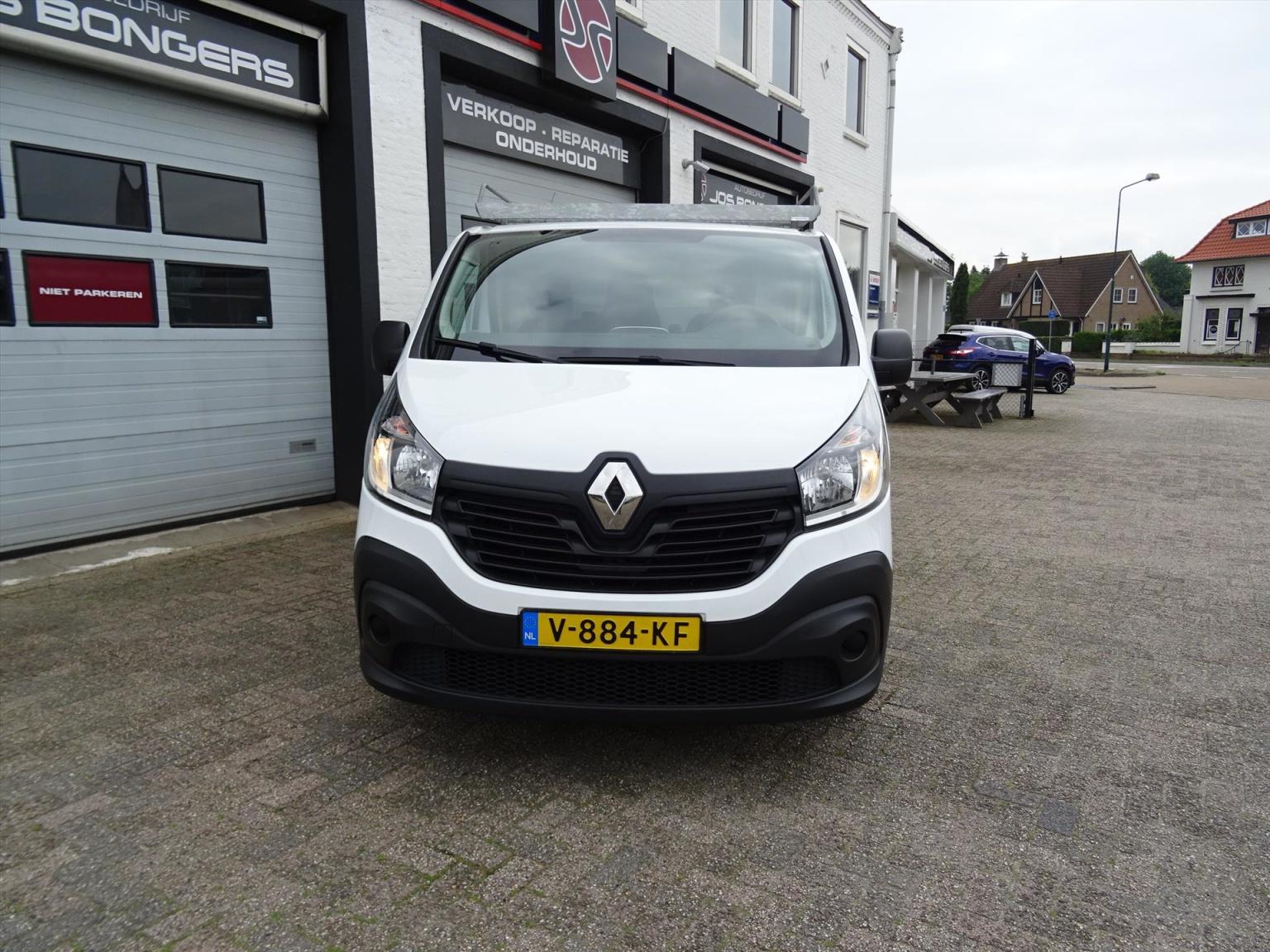 Renault-Trafic-1